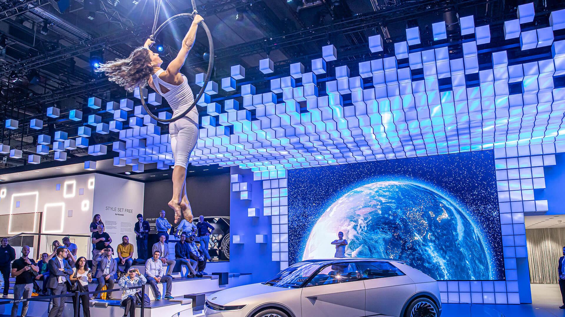 Showacts digital für Events mit Elektromobilität
